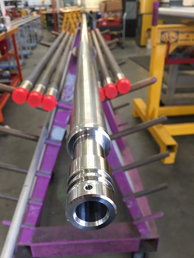 Long cased hole pressure housing